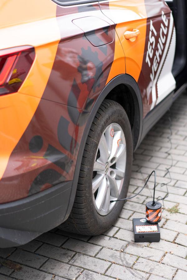 Uszkodzony samochód - naprawa koła