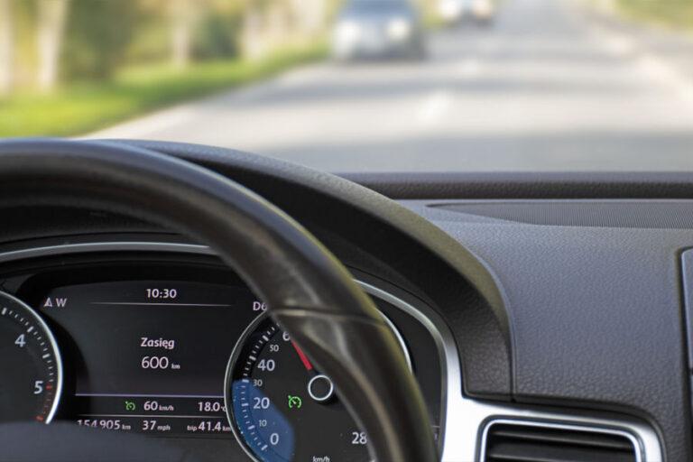 Czy tempomat zmniejsza zużycie paliwa?